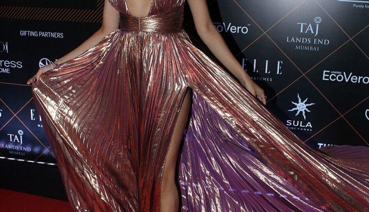 Actress Janhvi Kapoor At Elle Beauty Awards Photo Shoot Stills (3)