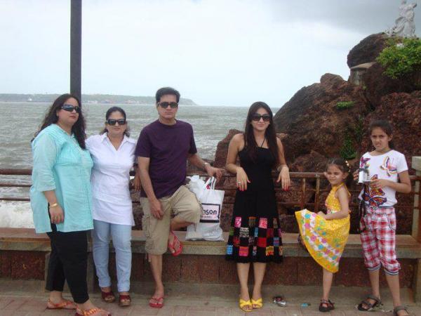 Aksha Pardasany family photos