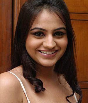 Aksha Pardasany actress gallery, biography
