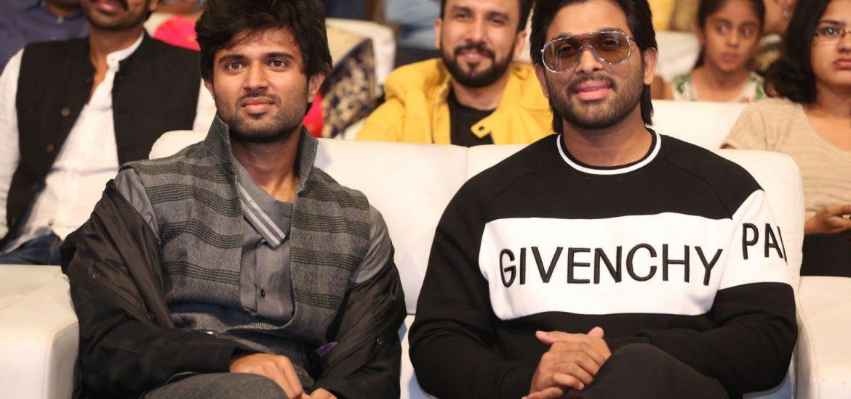 Allu Arjun, Vijay Deverakonda during Taxiwala Pre Release event 2