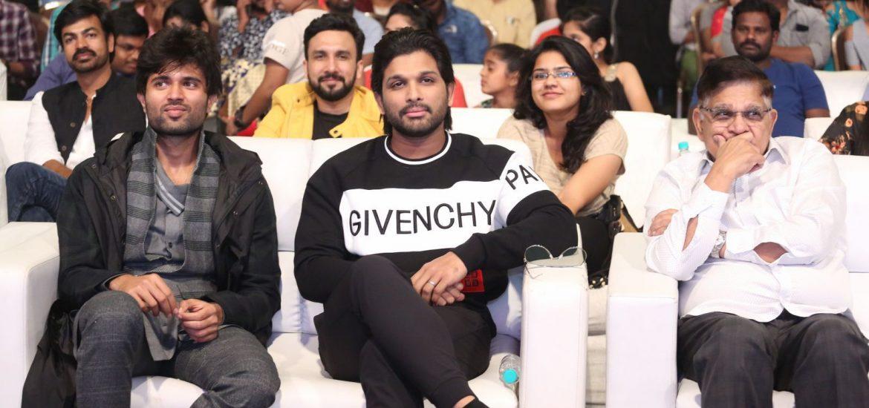 Allu Arjun, Vijay Deverakonda during Taxiwala Pre Release event 3