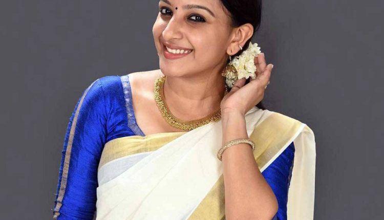 Malayalam actress Alphy Panjikaran photos