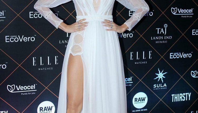 Anushka Sharma Hot Images During Elle Beauty Awards 2019 (2)