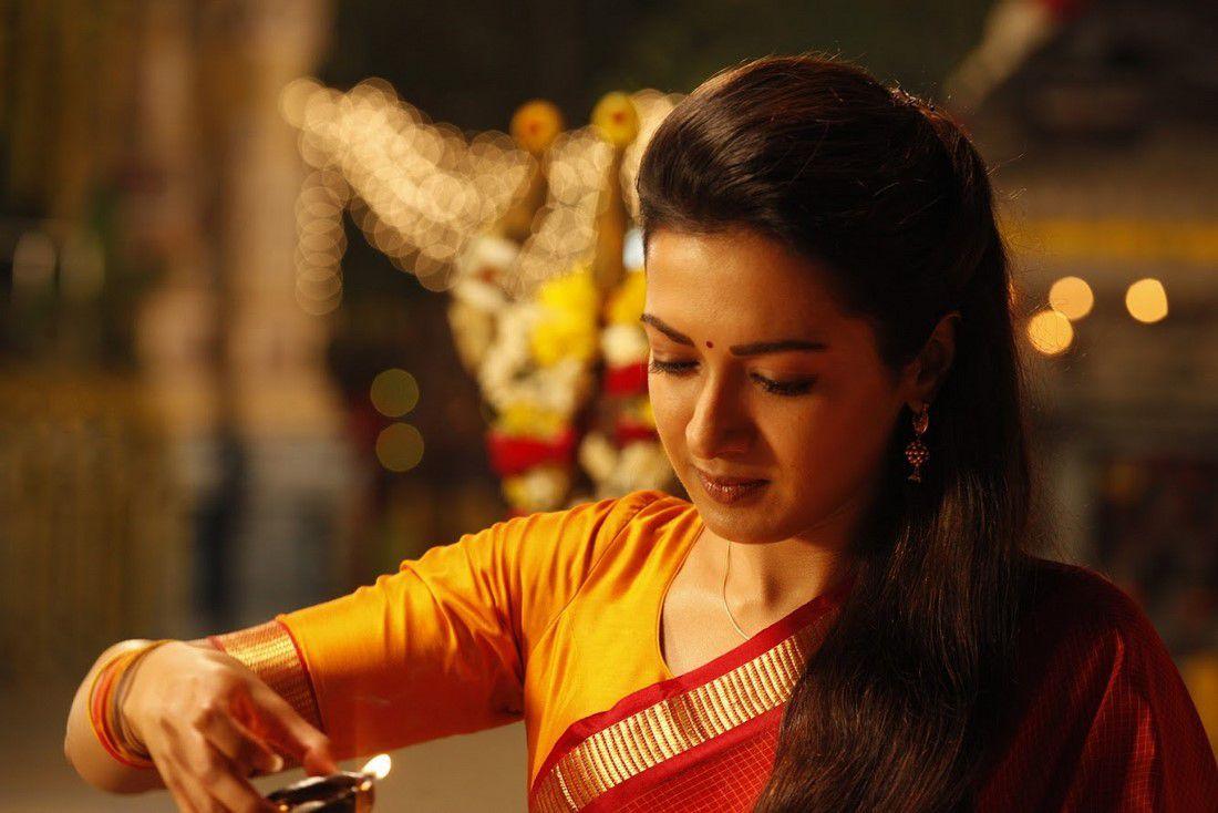 Aruvam Movie Siddharth Catherine Tresa Photos (4)