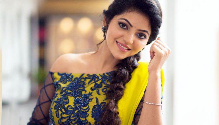 Athulya Ravi Actress Hd Photos Images