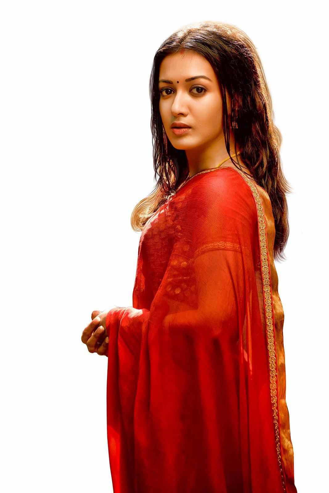 Lakshmi Rai hot in neeya 2 movie photos (1)