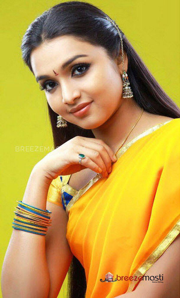 Deepthi Nambiar actress photo gallery