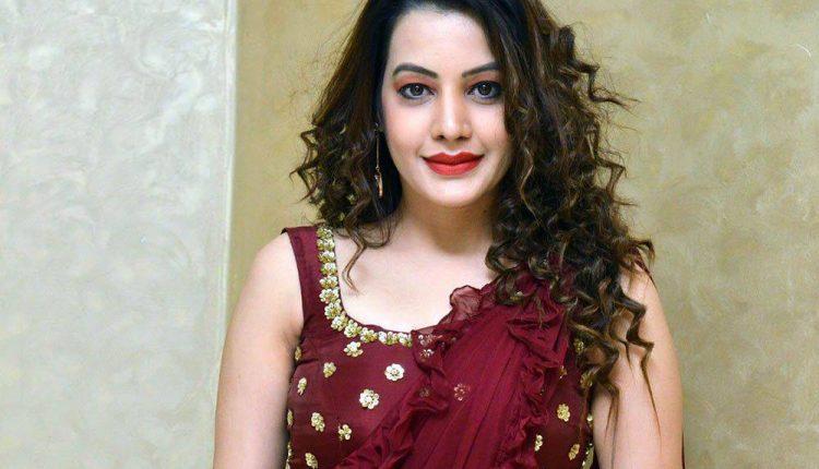 Diksha Panth Actress Photos Deeksha Panth Images Stills