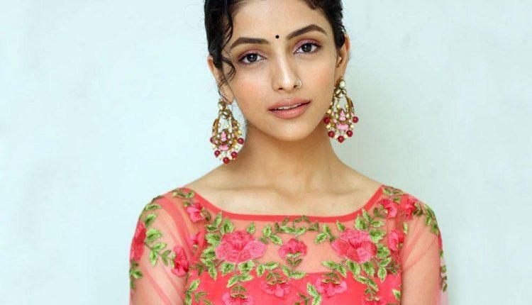 Diksha Sharma Raina Actress Photos Images