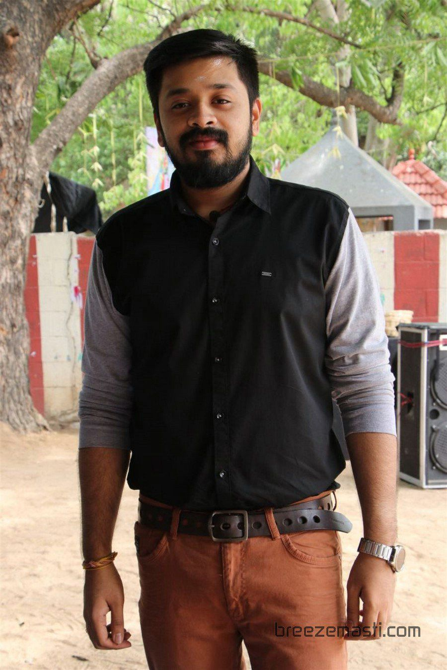 En Kadhali Seen Podura movie launch stills