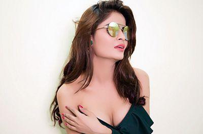 Gehana Vasisth Hot photo gallery