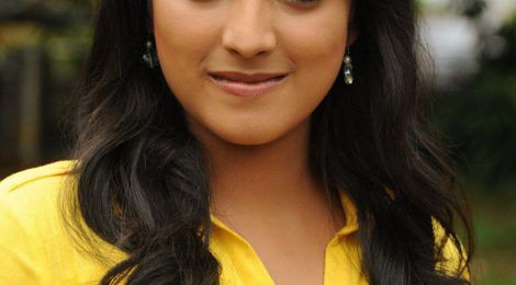Haripriya biography,Age,Height,Weight,Husband, Family,Wiki etc