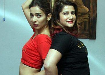 Heena Panchal learning Pole Dance video