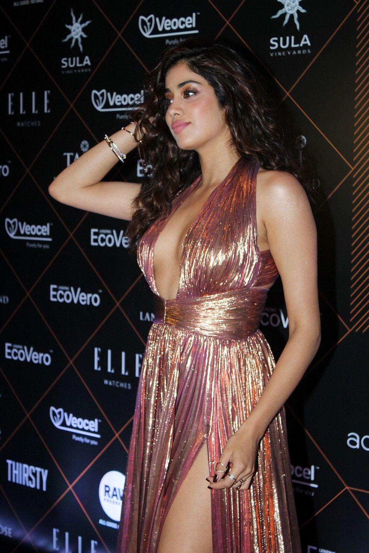 Janhvi Kapoor Hot Photos At Elle Beauty Awards (2)