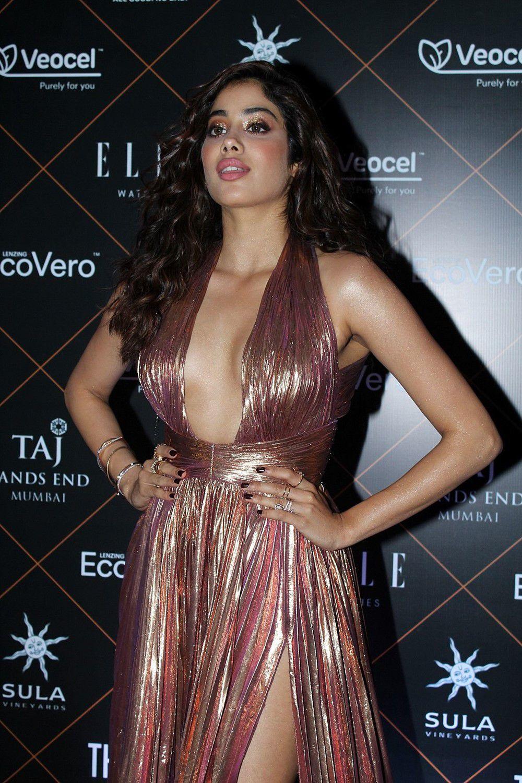 Janhvi Kapoor Hot Photos At Elle Beauty Awards (4)