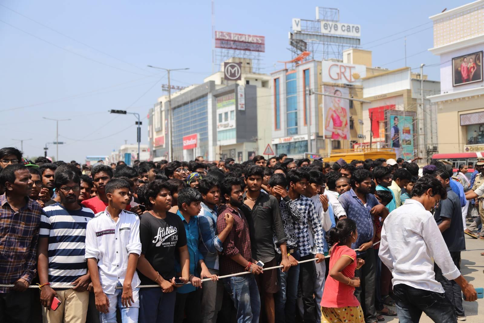 KLM fashion mall Inaugurated by Vijay devarakonda at Chandanagar 11