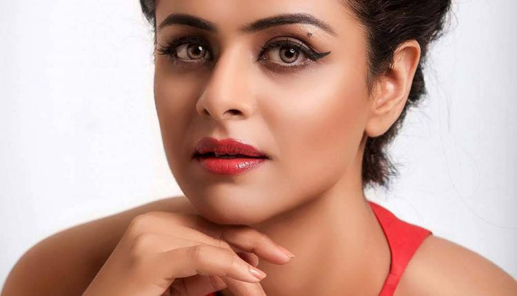 Actress Prachi Tehlan biography profile photos